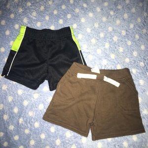 Set of 2 baby boy shorts SZ: 0/3M